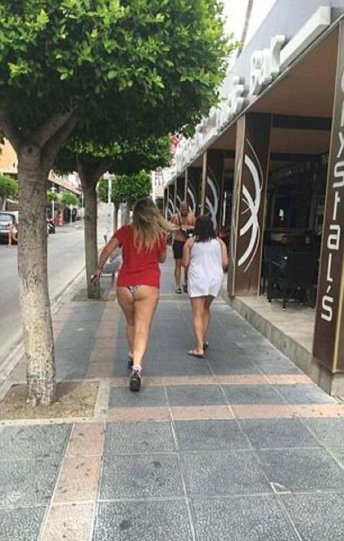 【エロ画像】飲み明かした朝帰り女子さんの身なりをご覧くださいwwwwwwwwwwww・19枚目