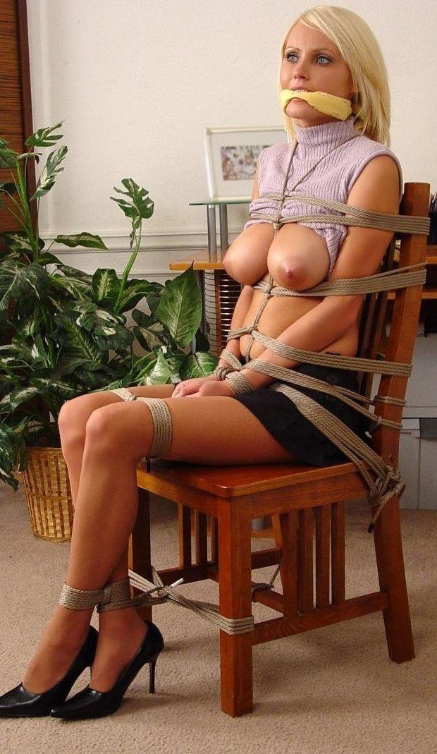 外国人の素人まんさん、緊縛プレイで椅子に縛られ放置される。。(画像30枚)・27枚目