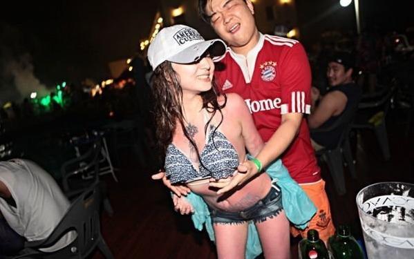 【セクハラ可】韓国のクラブが何でもアリだった件wwwwwwwwwwwwwwww(画像30枚)・11枚目