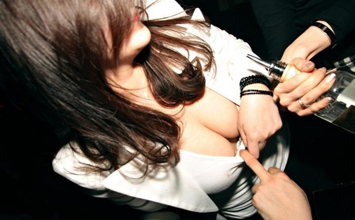 【セクハラ可】韓国のクラブが何でもアリだった件wwwwwwwwwwwwwwww(画像30枚)・4枚目