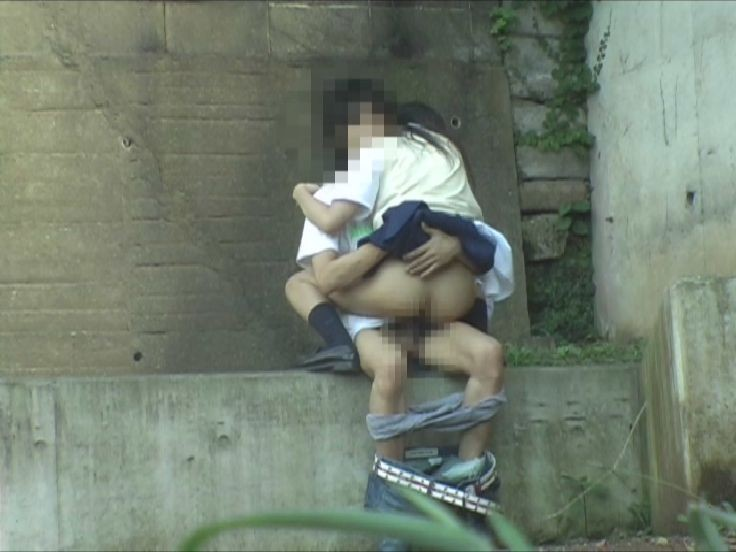 【盗撮注意】公園で盛る高校生カップル、真ッ昼間からおっぱじめる・・・・・(画像38枚)・11枚目