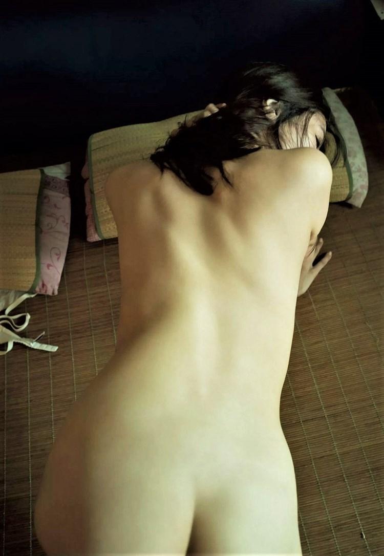 【画像】グラドルまんさん、ヌード解禁で色々晒すwwwwwwww・40枚目