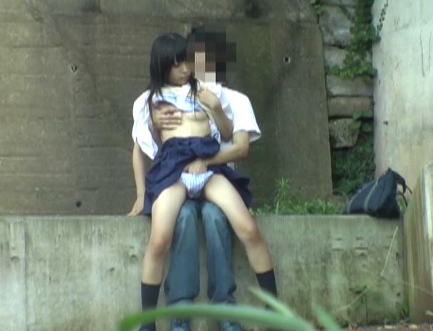 【盗撮注意】公園で盛る高校生カップル、真ッ昼間からおっぱじめる・・・・・(画像38枚)・20枚目