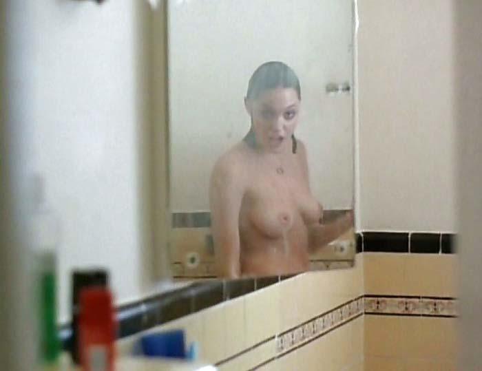 アンジェリーナ・ジョリーのSEXシーン、挿入までしてるらしいんだが・・・・(GIFあり)・21枚目