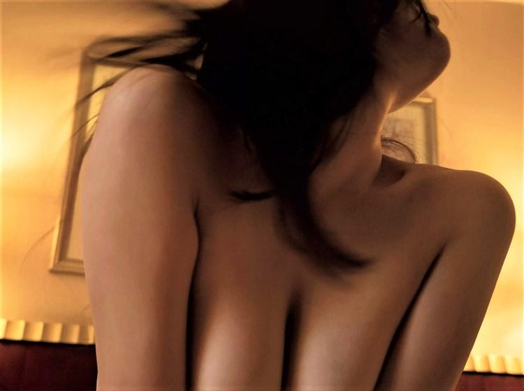 【画像】グラドルまんさん、ヌード解禁で色々晒すwwwwwwww・41枚目