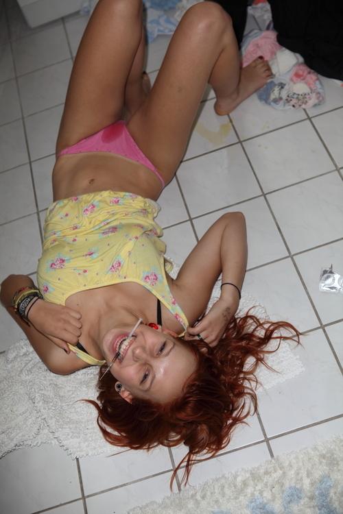 【閲覧注意】薬物中毒の女の写真やばくね?wwwwwww・9枚目