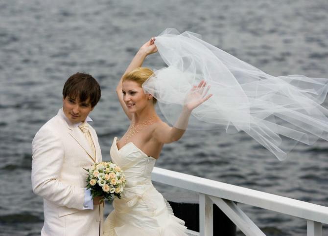 結婚式でおっぱい(乳首)が見れる確率80パーセントwwwwwwwwwwwwwwww・14枚目