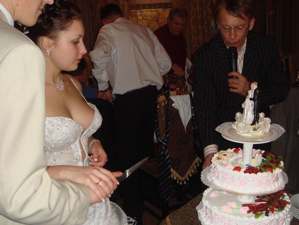 結婚式でおっぱい(乳首)が見れる確率80パーセントwwwwwwwwwwwwwwww・16枚目