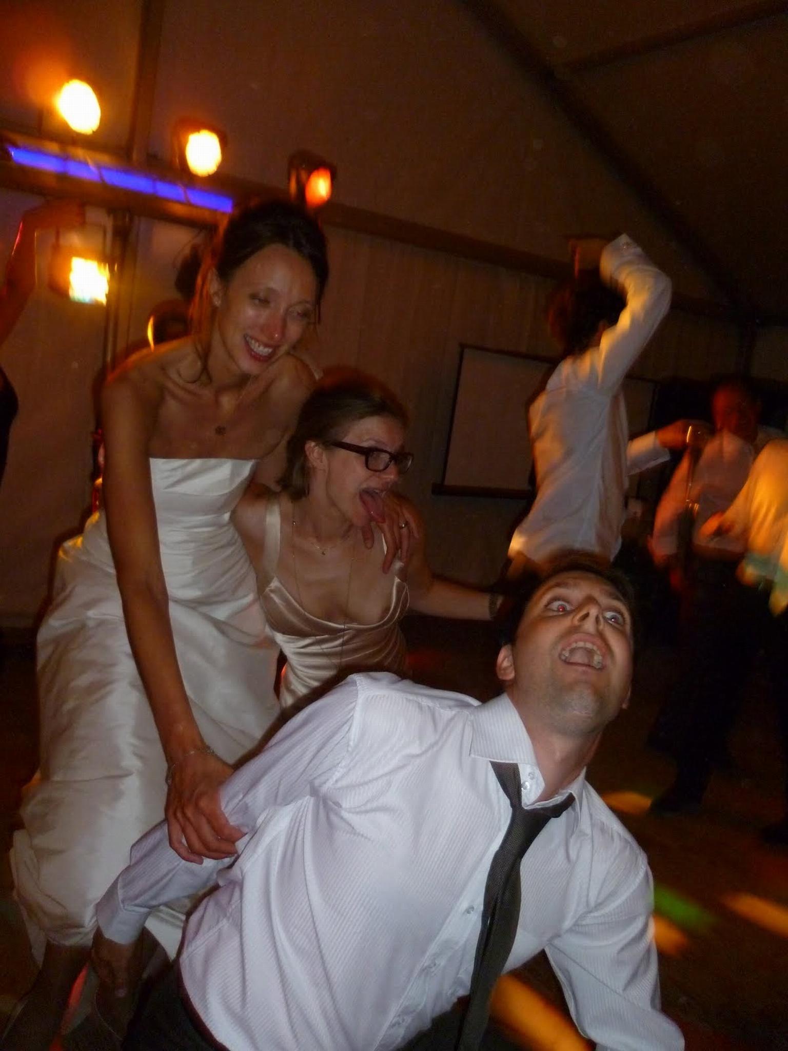 結婚式でおっぱい(乳首)が見れる確率80パーセントwwwwwwwwwwwwwwww・18枚目