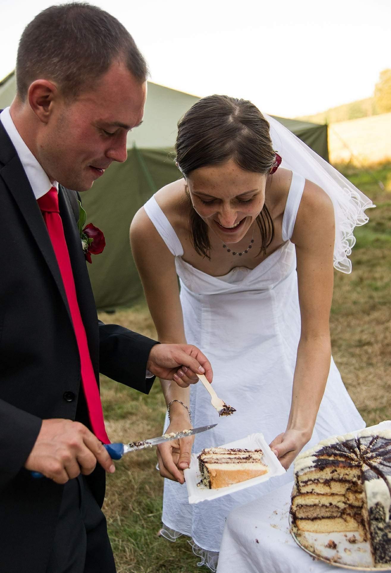 結婚式でおっぱい(乳首)が見れる確率80パーセントwwwwwwwwwwwwwwww・21枚目