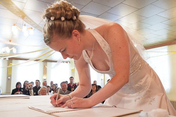 結婚式でおっぱい(乳首)が見れる確率80パーセントwwwwwwwwwwwwwwww・25枚目