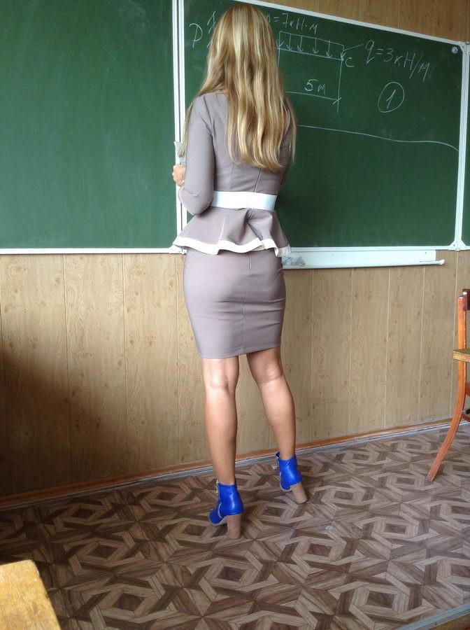 【即ハボ】飢えた男子生徒にオカズにされる、刺激が強すぎる海外の女教師をご覧ください・・・・・・25枚目