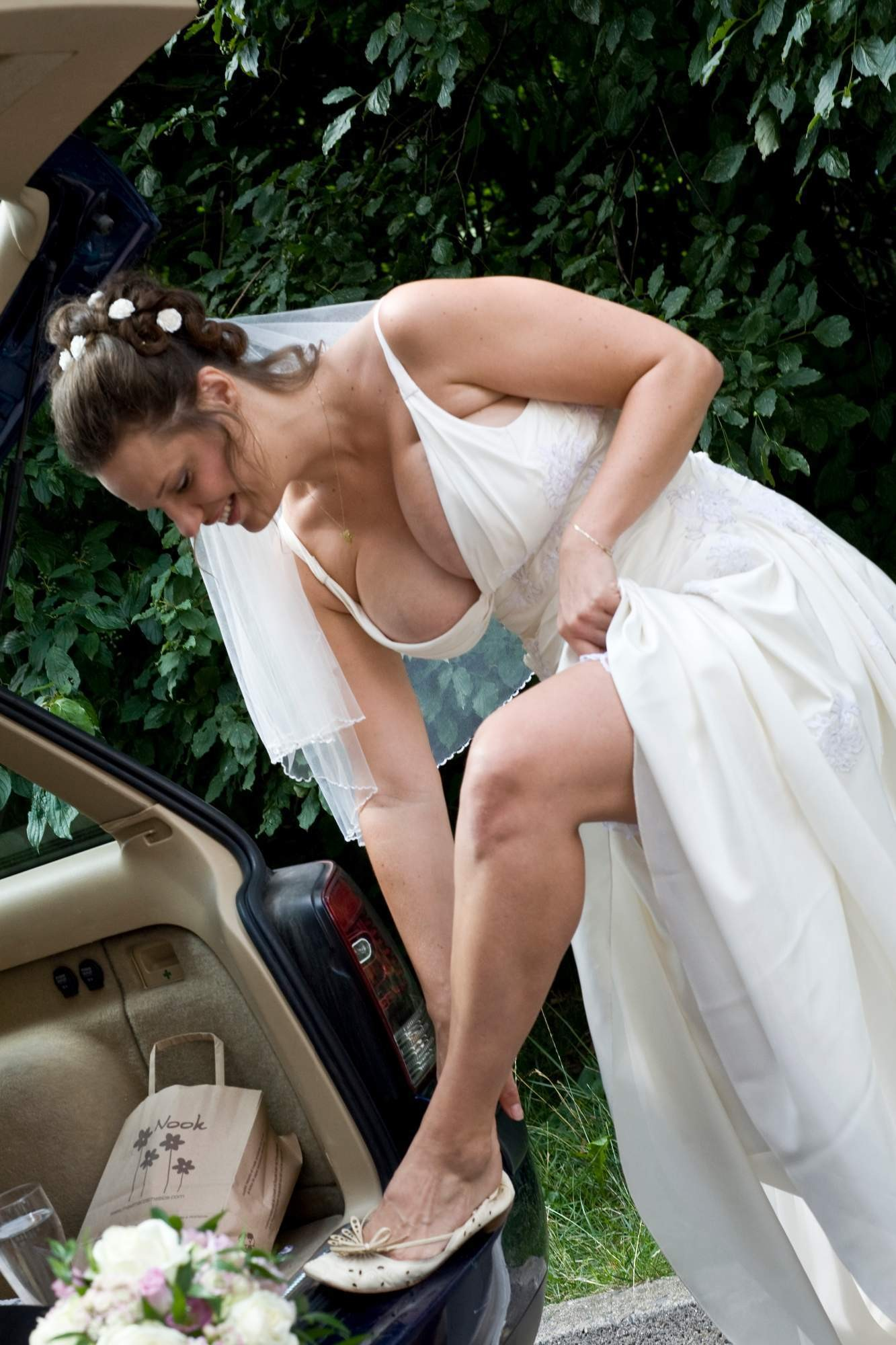 結婚式でおっぱい(乳首)が見れる確率80パーセントwwwwwwwwwwwwwwww・28枚目
