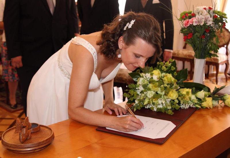 結婚式でおっぱい(乳首)が見れる確率80パーセントwwwwwwwwwwwwwwww・30枚目