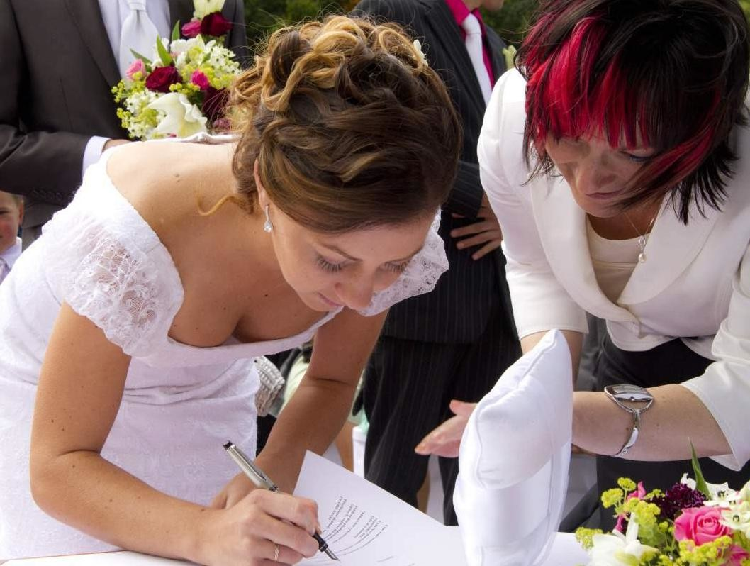 結婚式でおっぱい(乳首)が見れる確率80パーセントwwwwwwwwwwwwwwww・4枚目