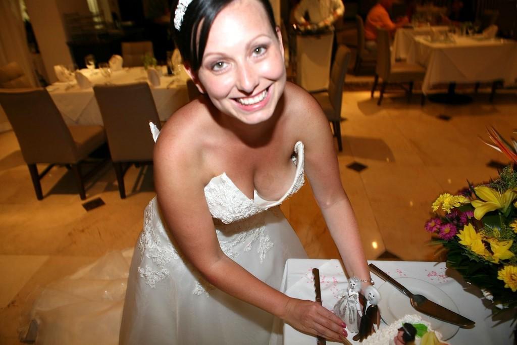 結婚式でおっぱい(乳首)が見れる確率80パーセントwwwwwwwwwwwwwwww・8枚目