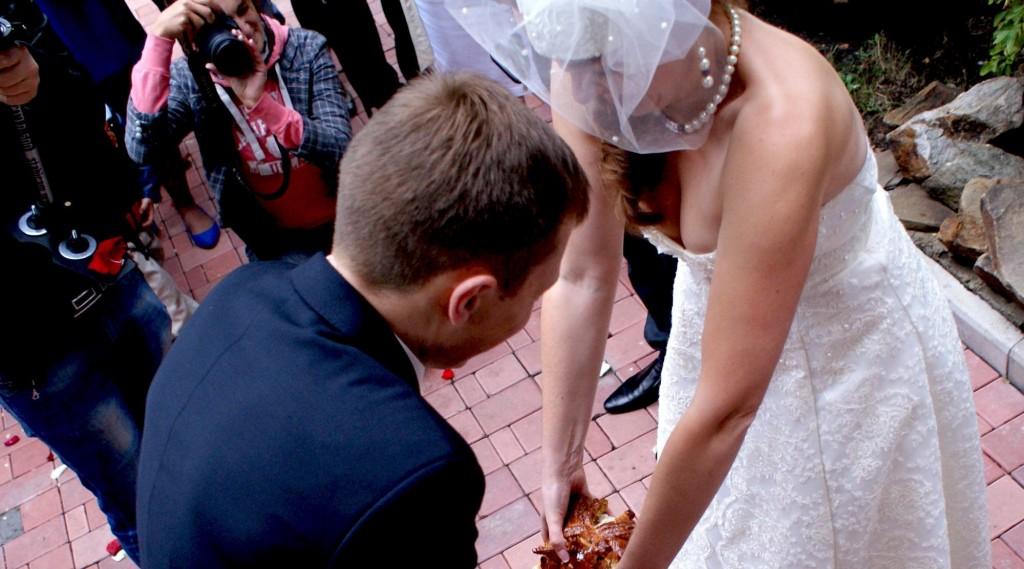 結婚式でおっぱい(乳首)が見れる確率80パーセントwwwwwwwwwwwwwwww・9枚目