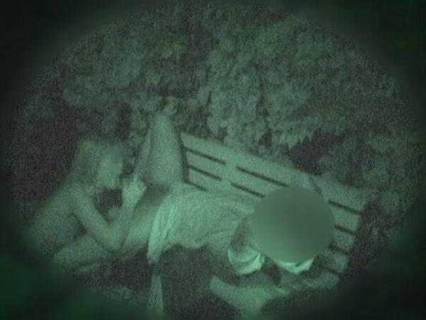 【衝撃】近所の公園で合体してる男女が激写されるwwwwwwwwww(画像36枚)・14枚目