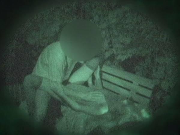 【衝撃】近所の公園で合体してる男女が激写されるwwwwwwwwww(画像36枚)・19枚目
