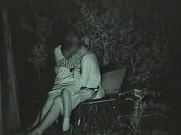 【衝撃】近所の公園で合体してる男女が激写されるwwwwwwwwww(画像36枚)・22枚目