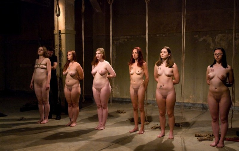 【ぐぅ畜】海外で性奴隷として売られてる女の子をご覧ください。。。(画像38枚)・26枚目