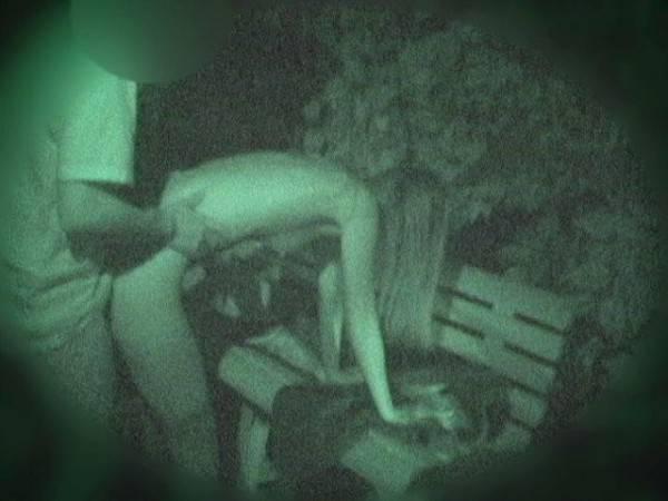 【衝撃】近所の公園で合体してる男女が激写されるwwwwwwwwww(画像36枚)・27枚目