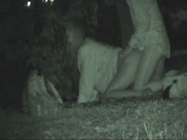 【衝撃】近所の公園で合体してる男女が激写されるwwwwwwwwww(画像36枚)・29枚目