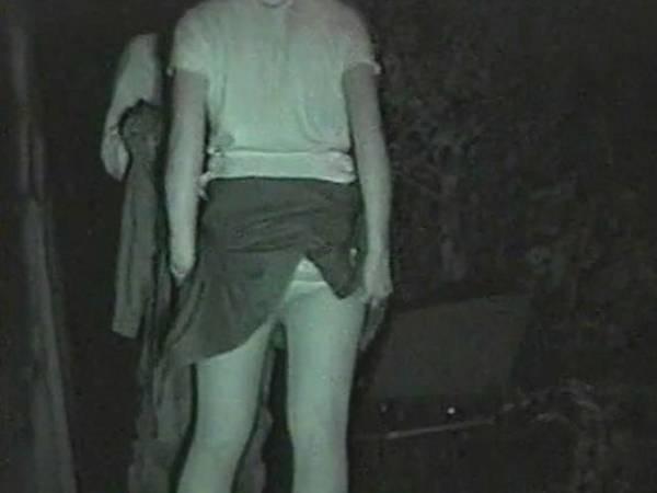【衝撃】近所の公園で合体してる男女が激写されるwwwwwwwwww(画像36枚)・33枚目