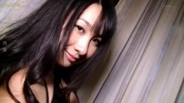 【GIFあり】Jカップグラドル桐山瑠衣が茶色いチクビをポロしてた事が発覚!!!・4枚目