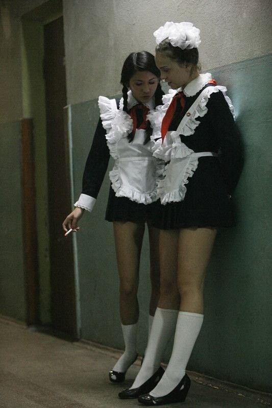 """【勃起不可避】ロシアJKの卒業式""""ミニスカメイド""""がエロすぎるwwwwwwwww・22枚目"""