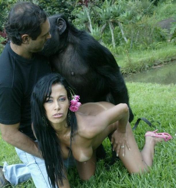 【画像あり】猿とSEX試みる女闇深すぎてワロタ。。。・15枚目