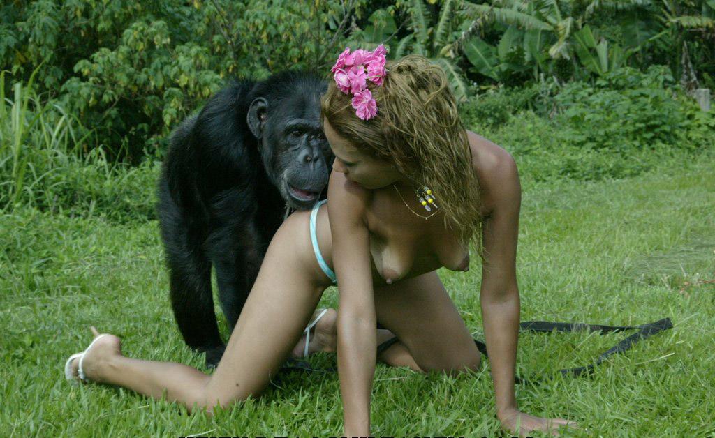 【画像あり】猿とSEX試みる女闇深すぎてワロタ。。。・16枚目