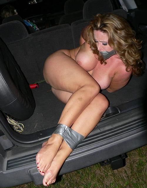 【胸糞注意】トランクに女を押し込んでる誘拐現場撮ったったwwwwwwww(画像あり)・22枚目