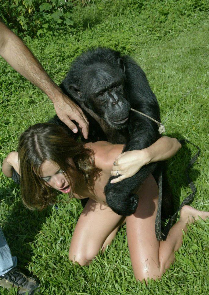 【画像あり】猿とSEX試みる女闇深すぎてワロタ。。。・9枚目