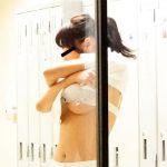 女子校生の着替え中の女の下乳のエロさは異常wwwwwwwwwww(画像20枚)
