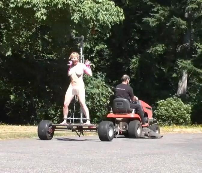 【GIFあり】女を車にくくりつけて暴走するDQNヤバすぎワロタwwwwwwwwww・13枚目