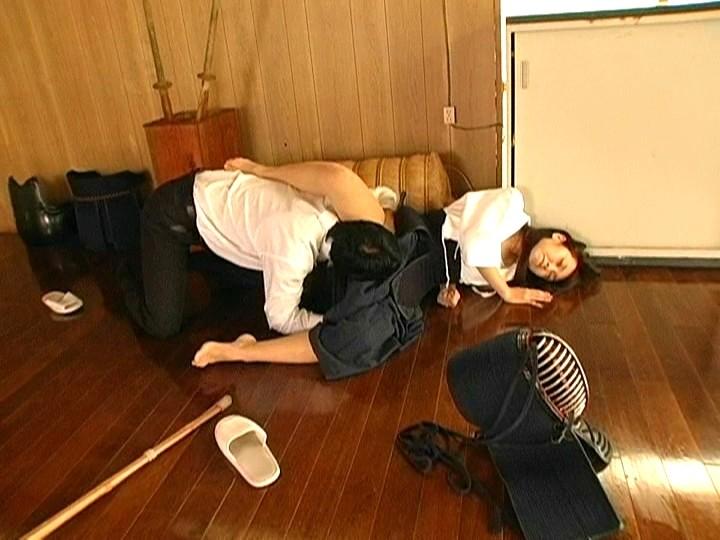 【画像】巨乳の剣道女子が道着を脱ぎ捨てたら・・・(23枚)・17枚目
