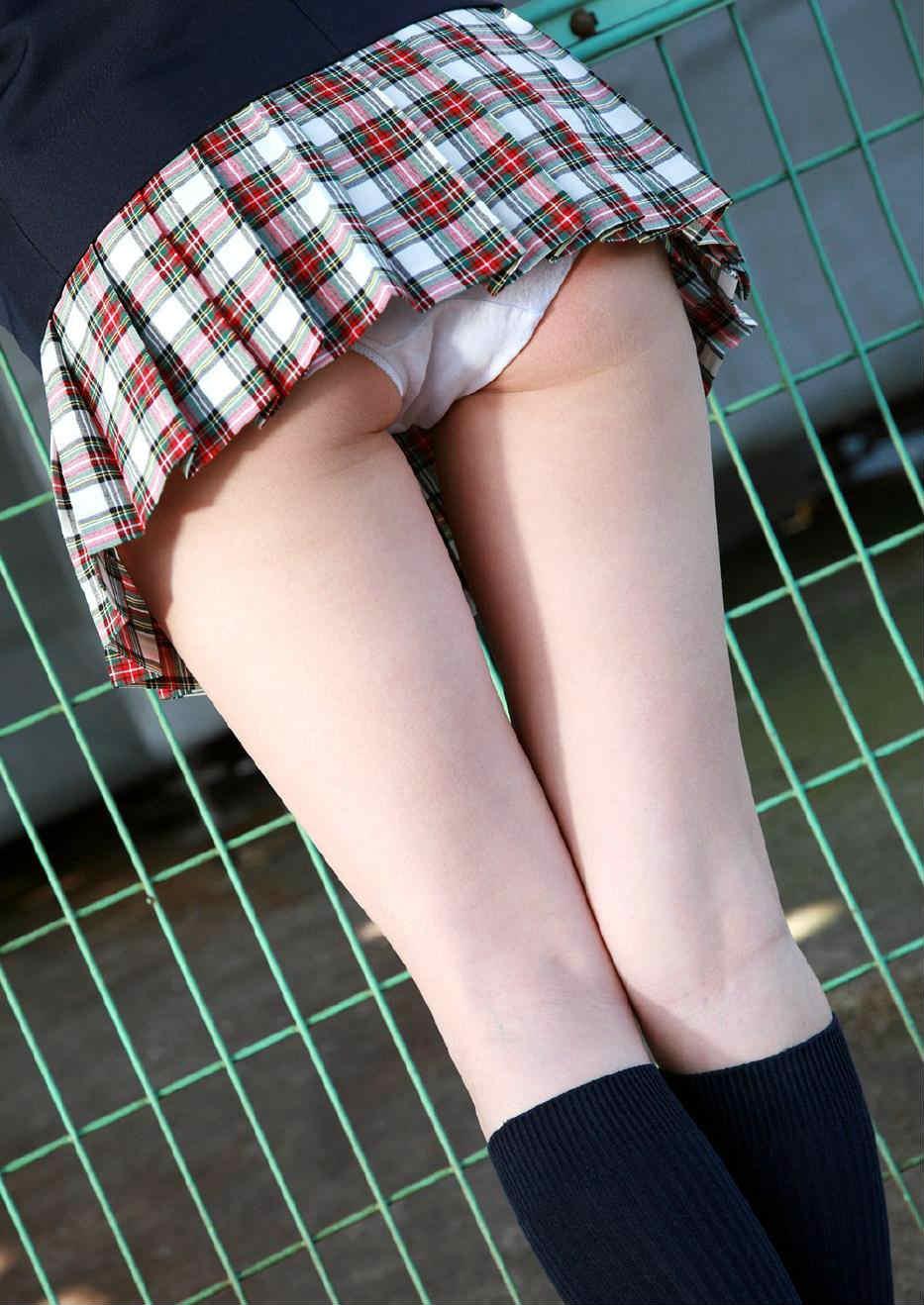 【パンチラ】度を超えた超ミニスカ女子、ワカメちゃん超えてくるwwwwwwwwwww(画像35枚)・34枚目