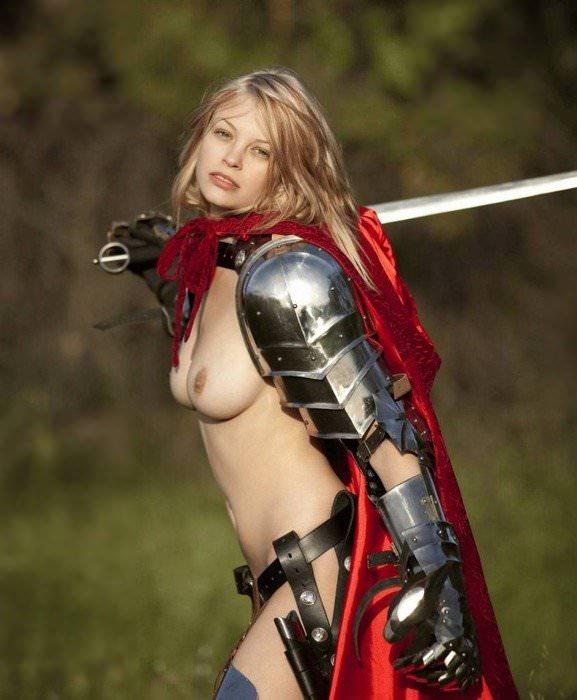 【画像あり】「甲冑ヌード」とかいう甲冑とエロを融合した鎧女をご覧くださいwwwww・1枚目