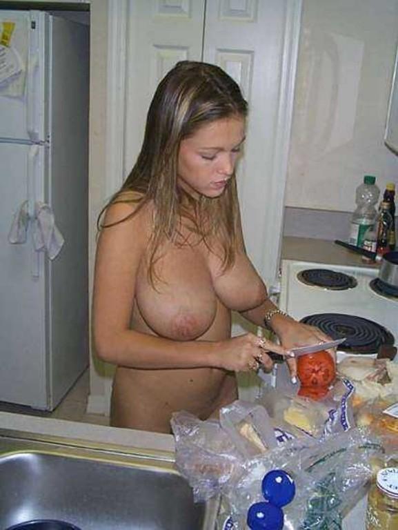 【朗報】家では彼女が実は裸族だった件wwwwwwwwwwww(画像あり)・12枚目