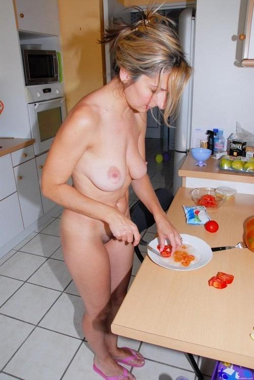 【朗報】家では彼女が実は裸族だった件wwwwwwwwwwww(画像あり)・28枚目