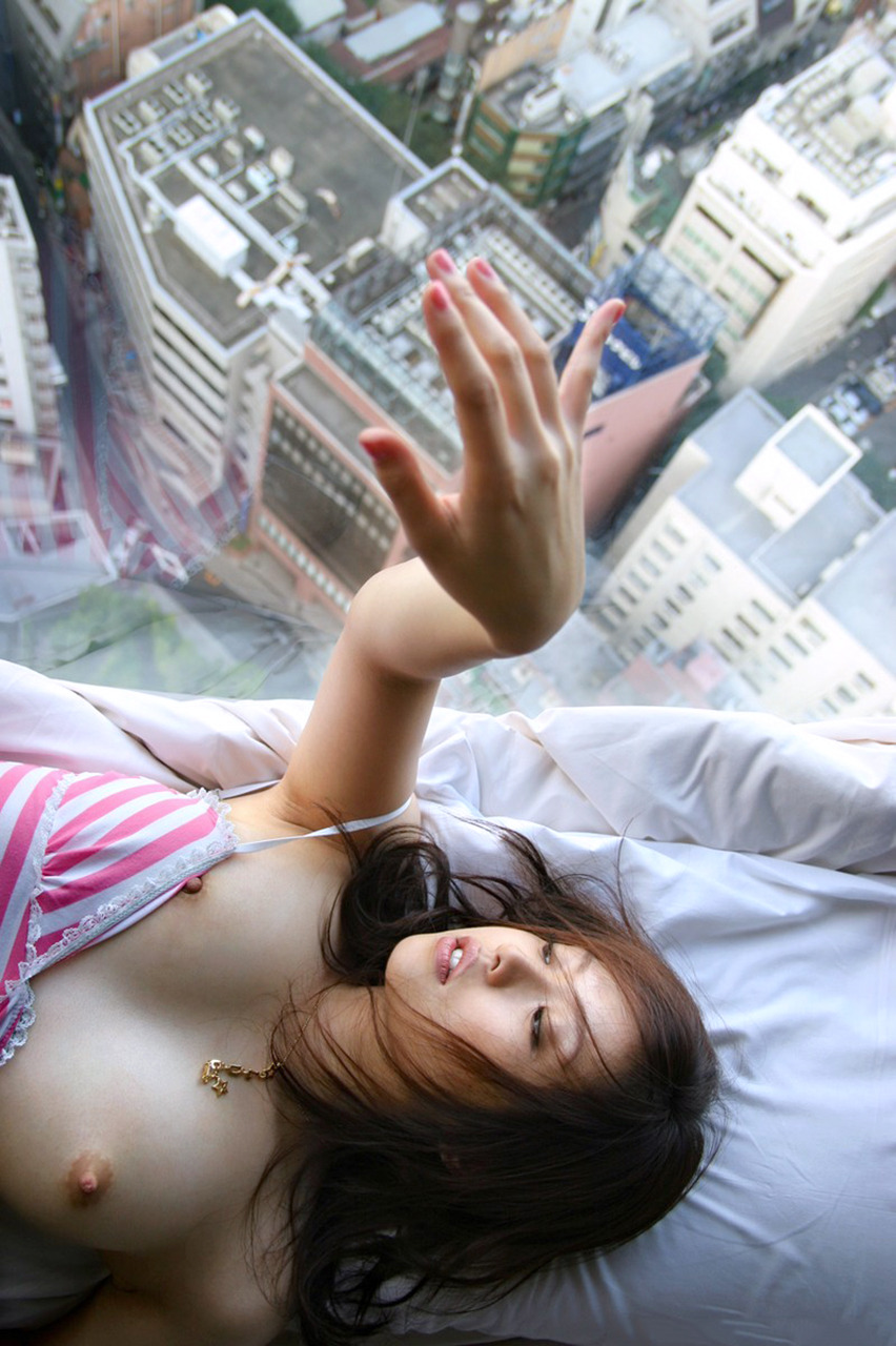 【画像】窓際でくぱぁしてる変態女に遭遇した結果wwwwwwwwwwww・31枚目