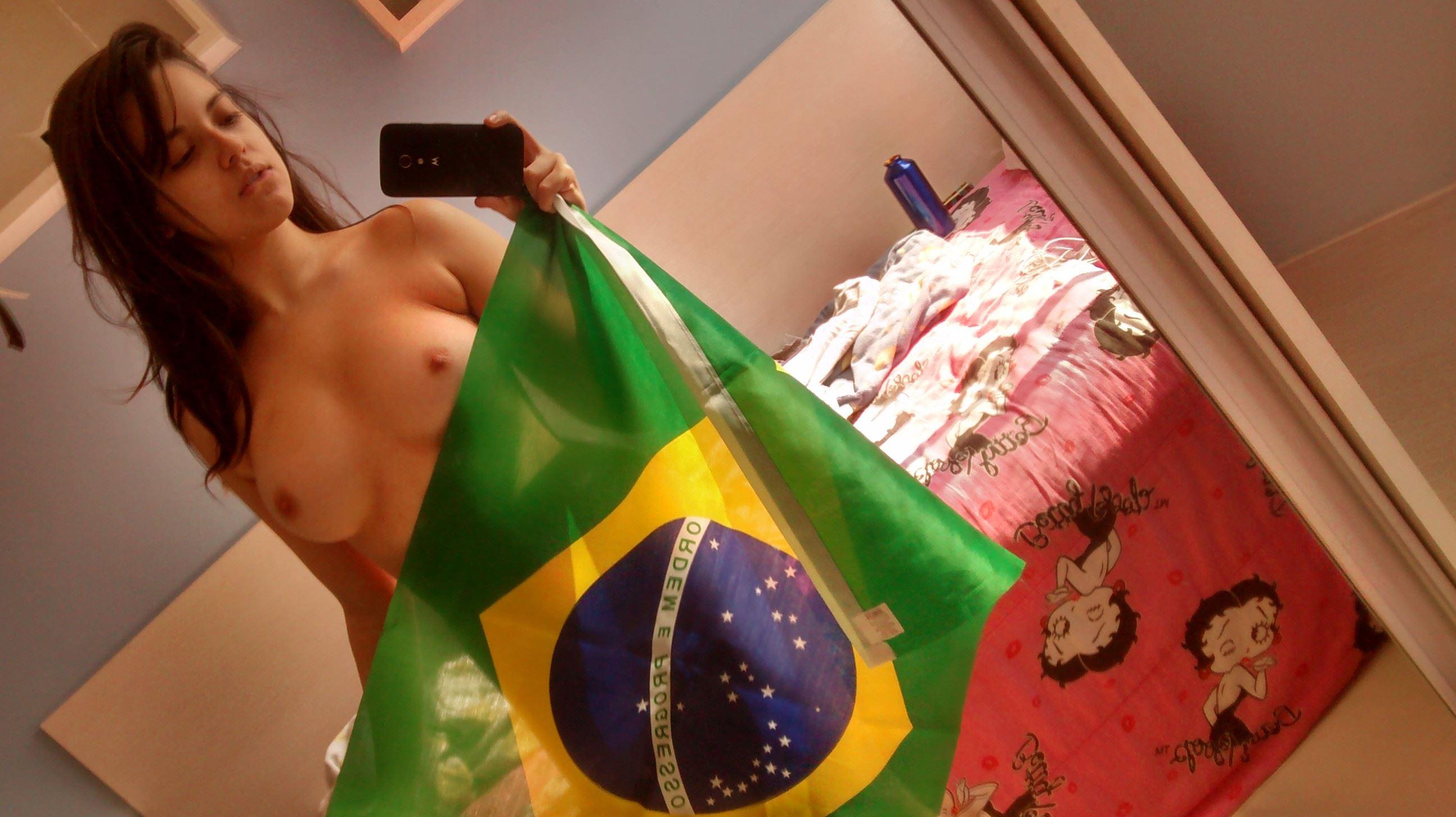 経験豊富なブラジル系女子の裸体エロすぎだろ・・・・(38枚)・9枚目