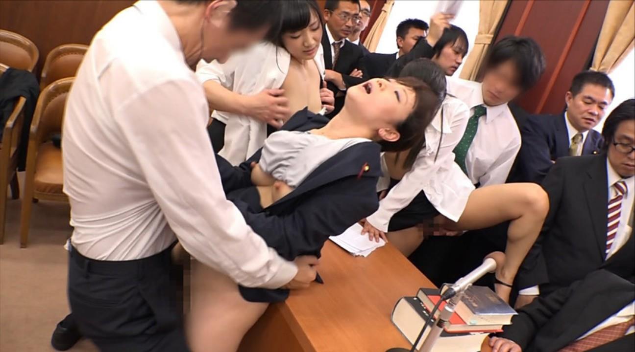 国会中継中に女性議員にセクハラする伝説の放送事故がこちら。(画像あり)・11枚目