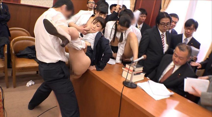 国会中継中に女性議員にセクハラする伝説の放送事故がこちら。(画像あり)・15枚目
