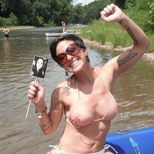 ピンク乳首が丸見えなこのタイプのセクシー水着・・・・・これは発狂不可避wwwwwwww(画像あり)・22枚目