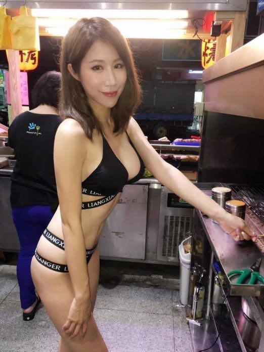 【エロ画像】台湾の屋台店員まんさん、売上のために乳見せすぎ問題wwwwwwwwwwwwww・31枚目
