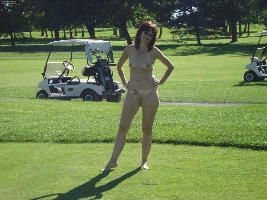 密かに開催されるお金持ち向け全裸ゴルフをご覧くださいwwwwwwwwww(画像あり)・8枚目