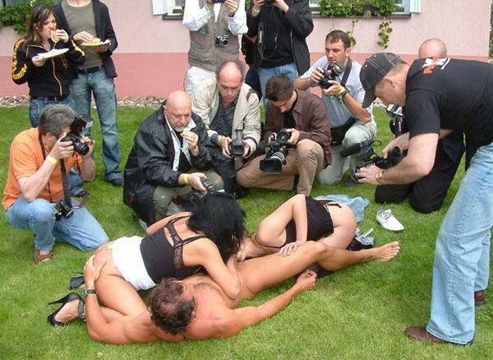 本場のポルノ撮影現場がうpされネット民がドン引きする。。(画像あり)・1枚目