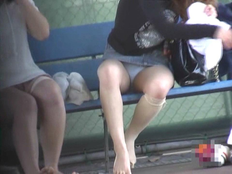 部活女子がガチで盗撮された ブツ がこれ。。パンツが若さを物語るwwwwww(エロ画像)・10枚目